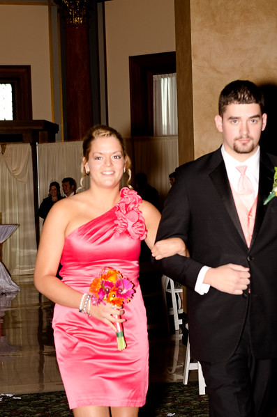 Rotunda_Waukesha_Wedding_CaitlinChad552