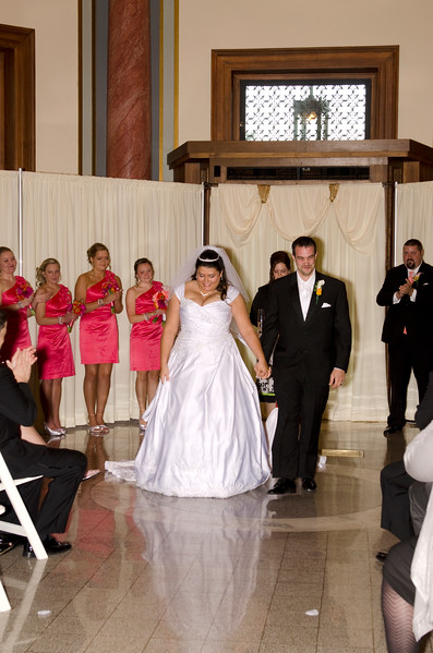 Rotunda_Waukesha_Wedding_CaitlinChad548
