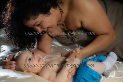 Round Lake IL Photographer. Susanna N Family Portraits/baby. 8.11.13