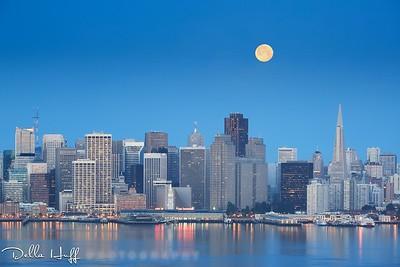 Moonset over San Francisco Skyline