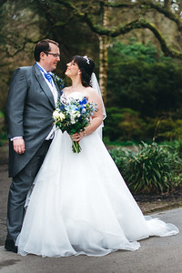 239-iNNOVATIONphotography-wedding-photographer-Swansea-Sarah-Gary-858099