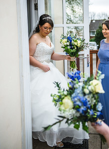 142-iNNOVATIONphotography-wedding-photographer-Swansea-Sarah-Gary-857642