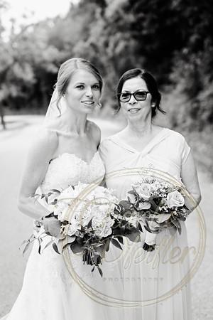 Kaelie and Tom Wedding 05C - 0061bw