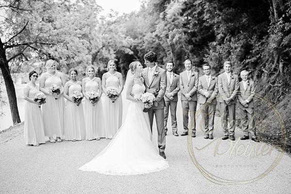 Kaelie and Tom Wedding 05C - 0024bw