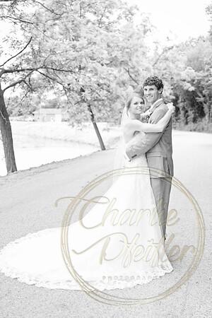 Kaelie and Tom Wedding 04J - 0019bw