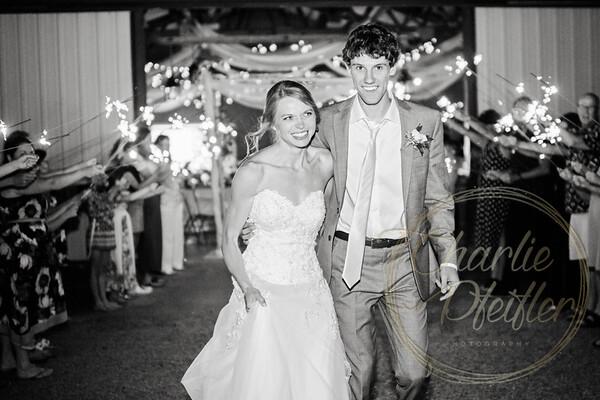 Kaelie and Tom Wedding 08C - 0404bw