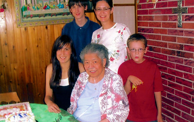 (Granma) Diddo with daughter Veronica and grandchildren July 1st, 2007