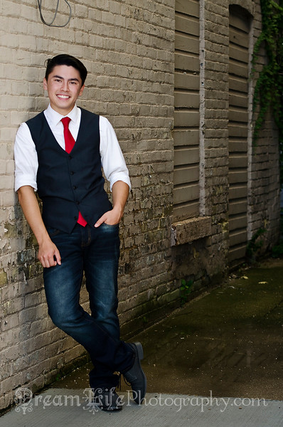Senior-Photos-Braden_210