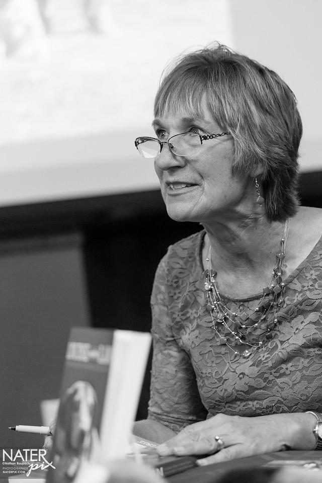 Sharon Cree - book signing - medium-035