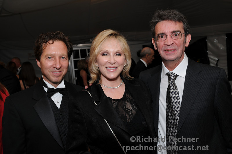 Dr. David Jablons, Foundation Co-founder, Cheryl Jennings and Dr. Rafael Rosell