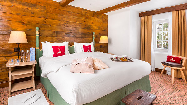 Sonnenalp-Rooms-KingBed-Turndown-2039