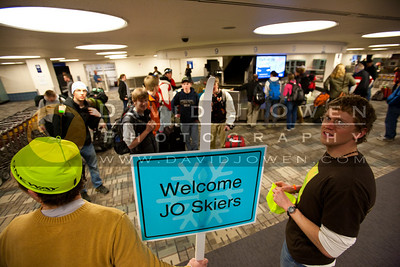 20110304-006 WY skiers arrive