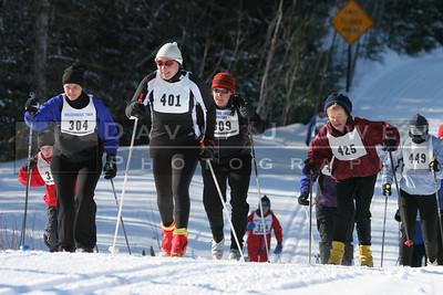020406-115 Skiiers and Hansen
