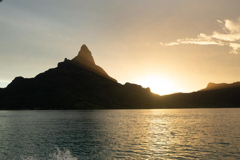 Tahiti 2019 Sneak Peek 2022