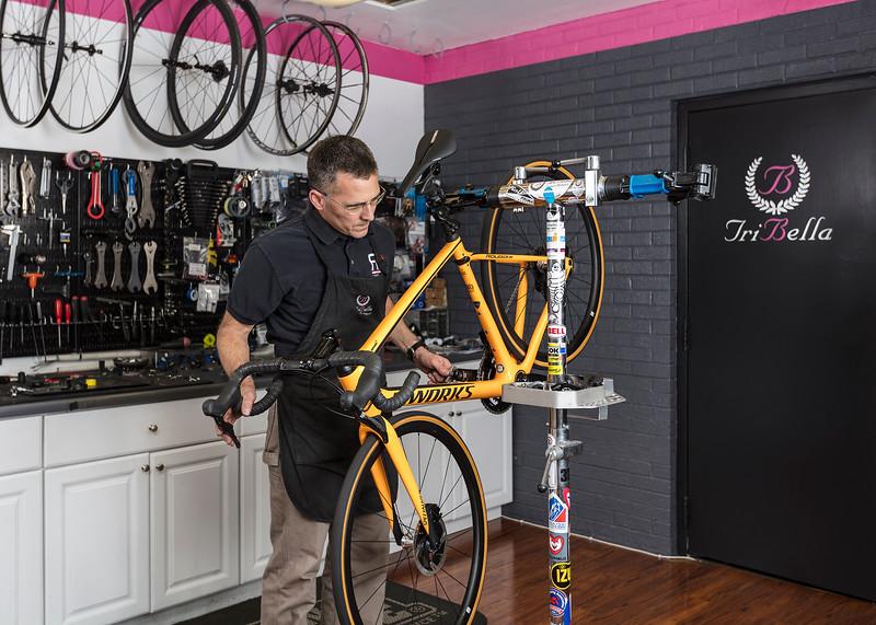 TriBellas-SalesFloor-BikeRepair-9290