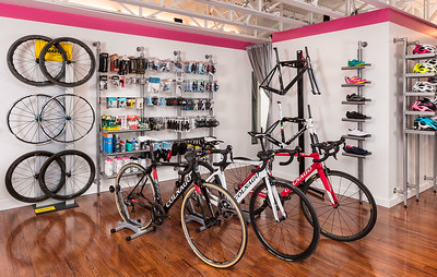 TriBellas-SalesFloor-BikesAndParts-9138