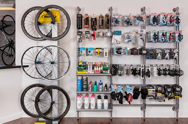 TriBellas-SalesFloor-BikesPartsDetail-9168