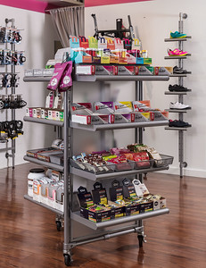 TriBellas-SalesFloor-NutritionRack-9311