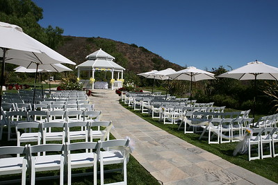 1008091-0023    MOORPARK, CA - AUGUST 14: The Courtney Peldon and Bradley Lieberman Wedding Day Celebration on August 14, 2010 in Moorpark, California. (Photo by Ryan Miller/Capture Imaging)