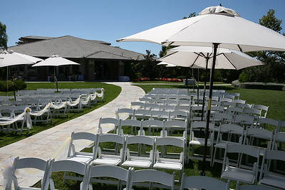 1008091-0009    MOORPARK, CA - AUGUST 14: The Courtney Peldon and Bradley Lieberman Wedding Day Celebration on August 14, 2010 in Moorpark, California. (Photo by Ryan Miller/Capture Imaging)
