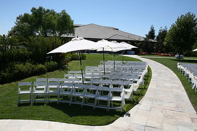 1008091-0012    MOORPARK, CA - AUGUST 14: The Courtney Peldon and Bradley Lieberman Wedding Day Celebration on August 14, 2010 in Moorpark, California. (Photo by Ryan Miller/Capture Imaging)