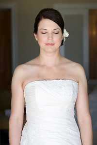 909213-0004    SAN DIEGO, CA - SEPTEMBER 09: Rebecca and Larry Hinson Wedding day on September 9, 2009 in San Diego, California. (Photo by Capture Imaging)