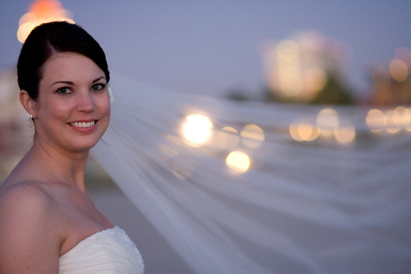 909213-2153    SAN DIEGO, CA - SEPTEMBER 09: Rebecca and Larry Hinson Wedding day on September 9, 2009 in San Diego, California. (Photo by Capture Imaging)