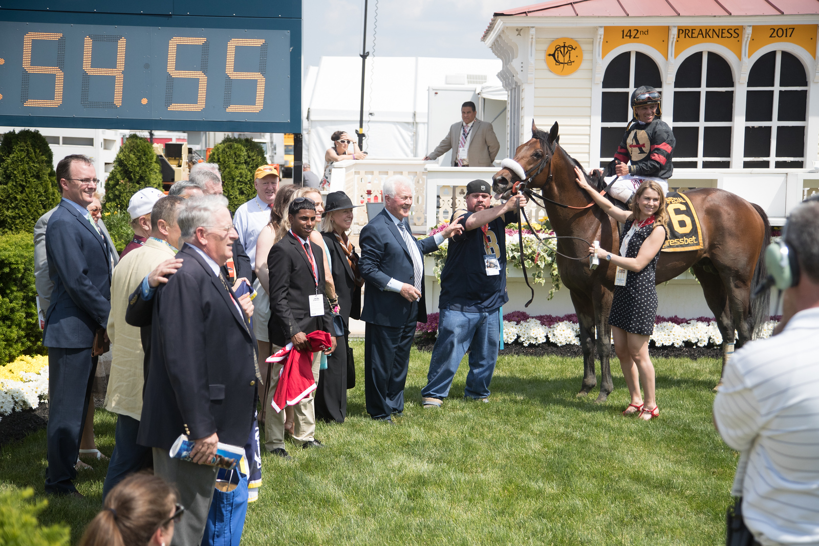 Shaman Ghost (Ghostzapper) wins The Pimlico Special Javier Castellano up, Jimmy Jerkens trainer, Stronach Stables owner.