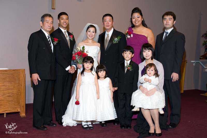 "<div align=""left"">    <p style=""font: 90% Garamond, Georgia, serif;color:#b59779;"">Yuko & Jeffrey's Wedding Photographs<br>Available to view and order prints here until January 15th, 2012<br>Photos by Kazuko Wohlers.&nbsp&nbspPlease call me at (253) 565-1701 if you have any questions.</p>  </div>"