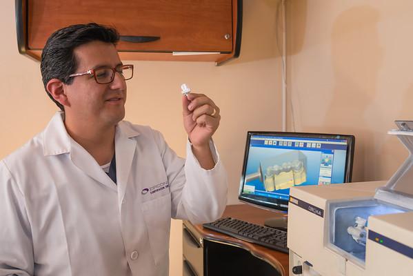 Dentista Zirconia, Quito