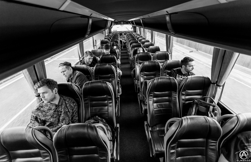 Infinite tour bus