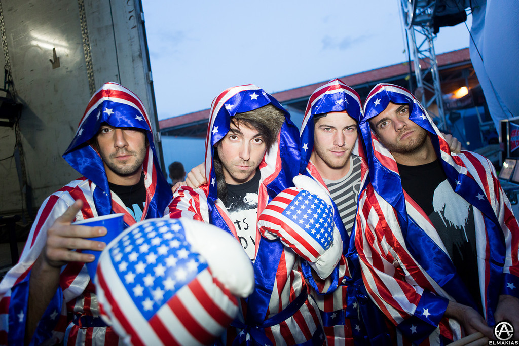 All Time Low gone full American