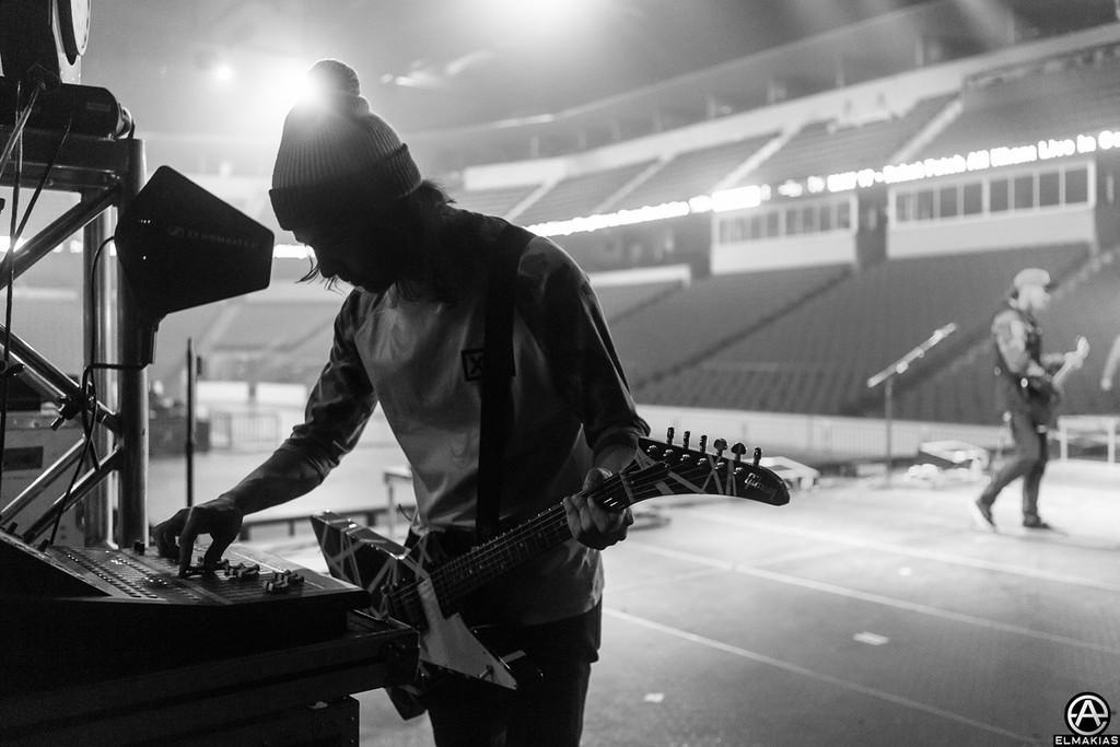 Vic Fuentes sound check - Spring Fever Tour