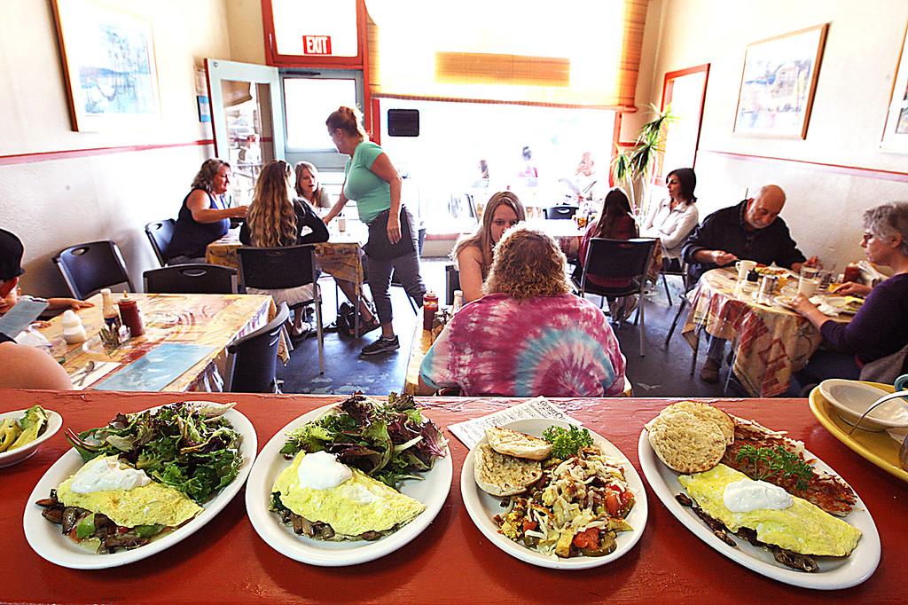 . Order up at the Cliff Cafe in Pleasure Point. (Dan Coyro -- Santa Cruz Sentinel)