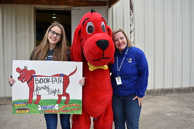 Clifford the Big Red Dog Visits CES