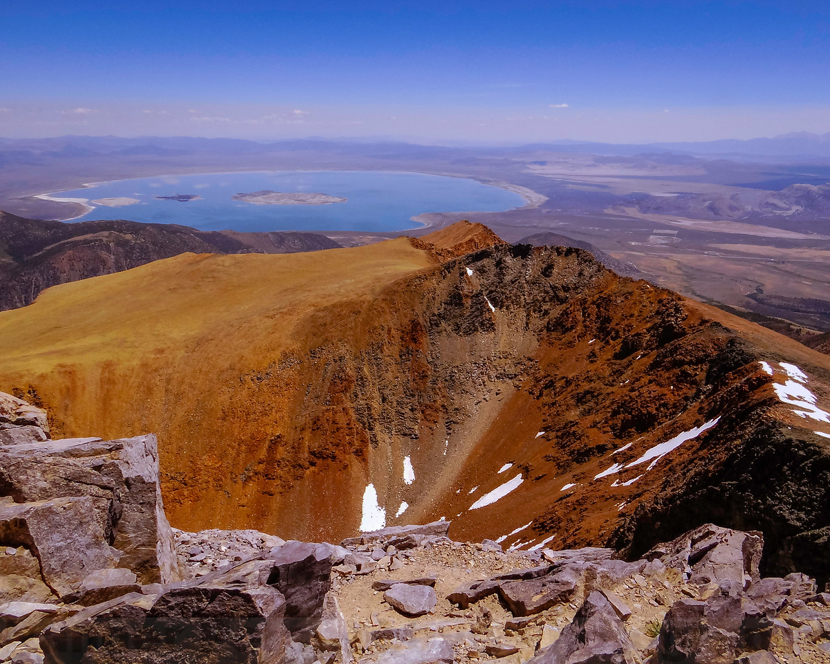 The View from the summit of Mount Dana (13, 057ft)