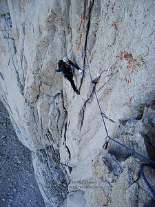 A crux traverse on Positive Vibrations, Incredible Hulk, Sierra Nevada, California.