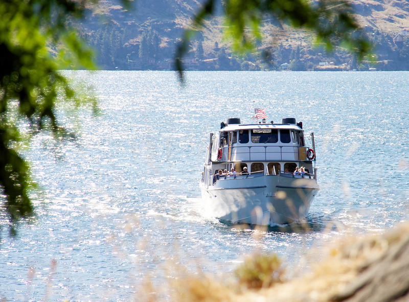 "The ""Lady of The Lake II"" arrives at Fields Point, Chelan."