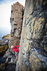 Wonderwall, 5.7 trad at Otter Cliff, ME, USA Climber: Guillaume Bitton