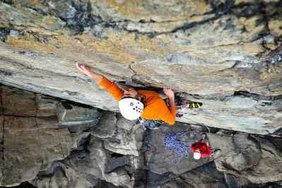 Wonderwall, 5.5 trad at Otter Cliff, ME, USA Climber: Lorenzo Sanguedolce