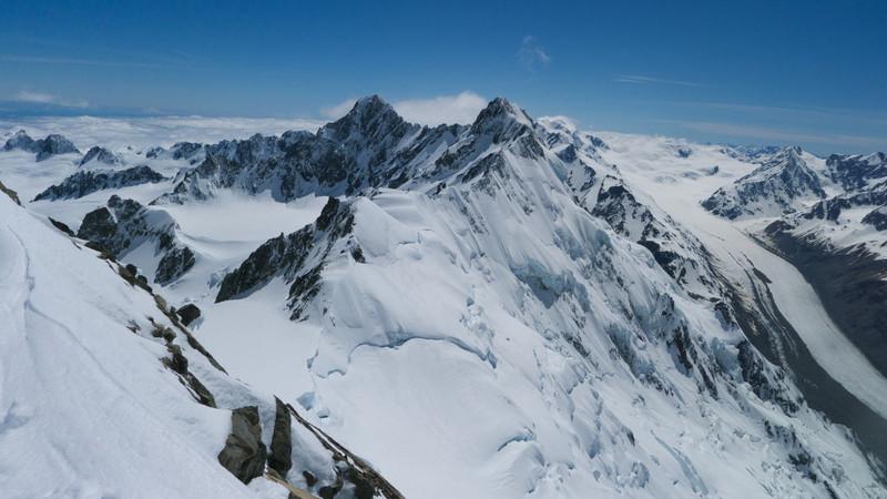 Douglas Peak (ctr), Mt Haidinger and Tasman neve from Mt Dixon