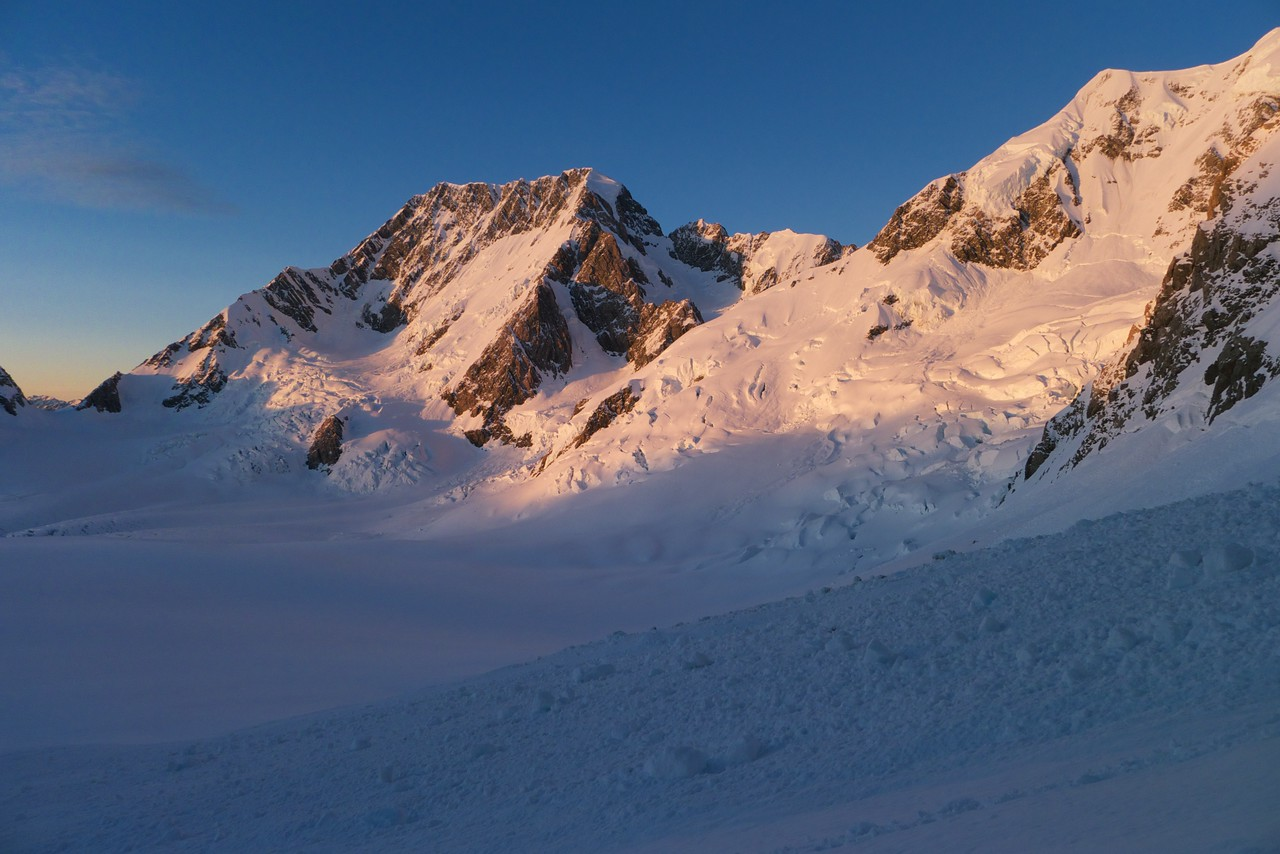 Mt Cook and the Silberhorn Ridge of Mt Tasman (right) at 6am.