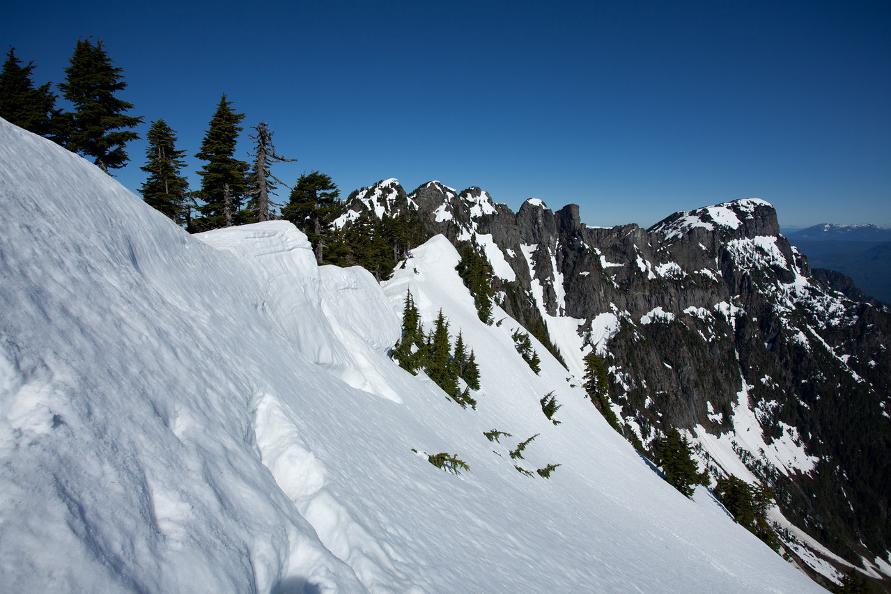 Looking back along the traverse towards Persis