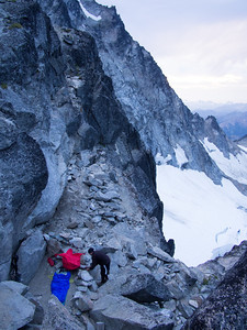 Setting up bivouac at 'The Notch'