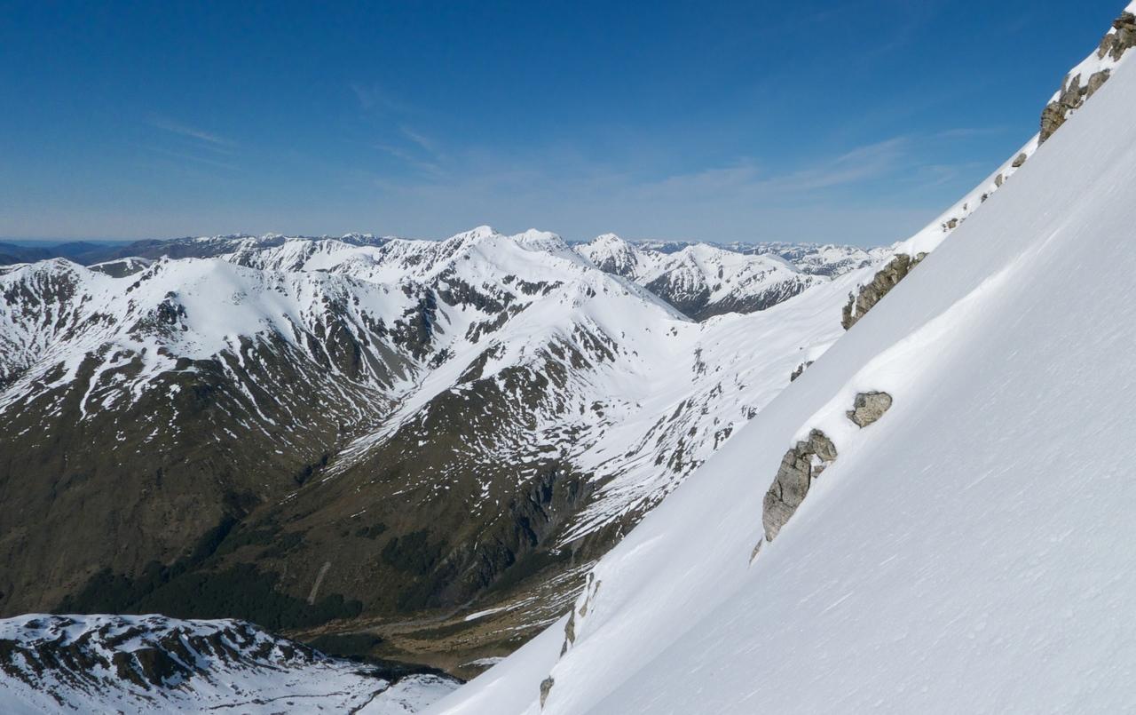 The SE ridge is nice and steep