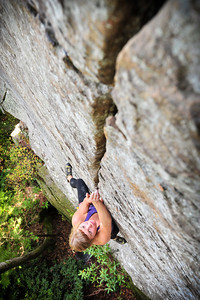 Fibrulator 5.11b at Indian Creek Crag Climber: Sara Violett