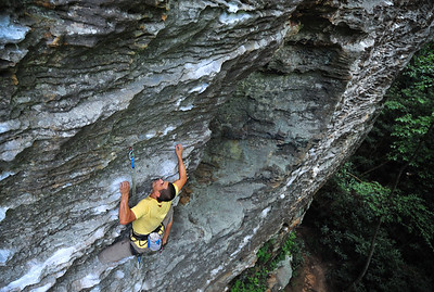 Burlier's Bane 5.12a @ The Motherlode. Climber: Guillaume Bitton