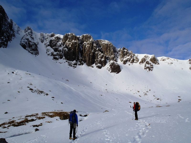 Approach to the routes in Coire nan Lochan