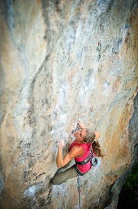Flavor of the Week 7b (5.12b) at Eagle Wall, Tonsai. Climber: Susan Murphy