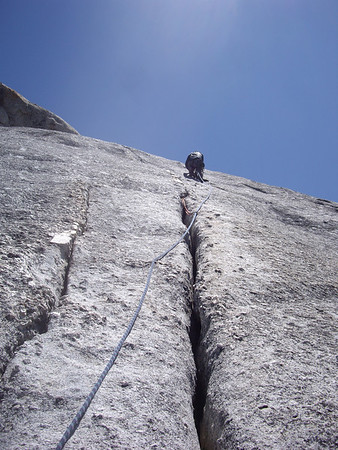 Looking up at Roger on P3 of DAFF Dome.  Excellent crack!